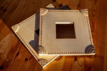 Speil med karveskurd